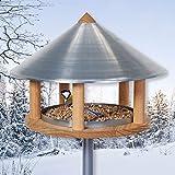 VOSS.garden Vogelhaus Roskilde zum Aufstellen mit Ständer Metalldach Holzhaus, Vogelfutterhaus Vogelfutterstation, Futterhaus, Vogelhäuschen Handarbeit